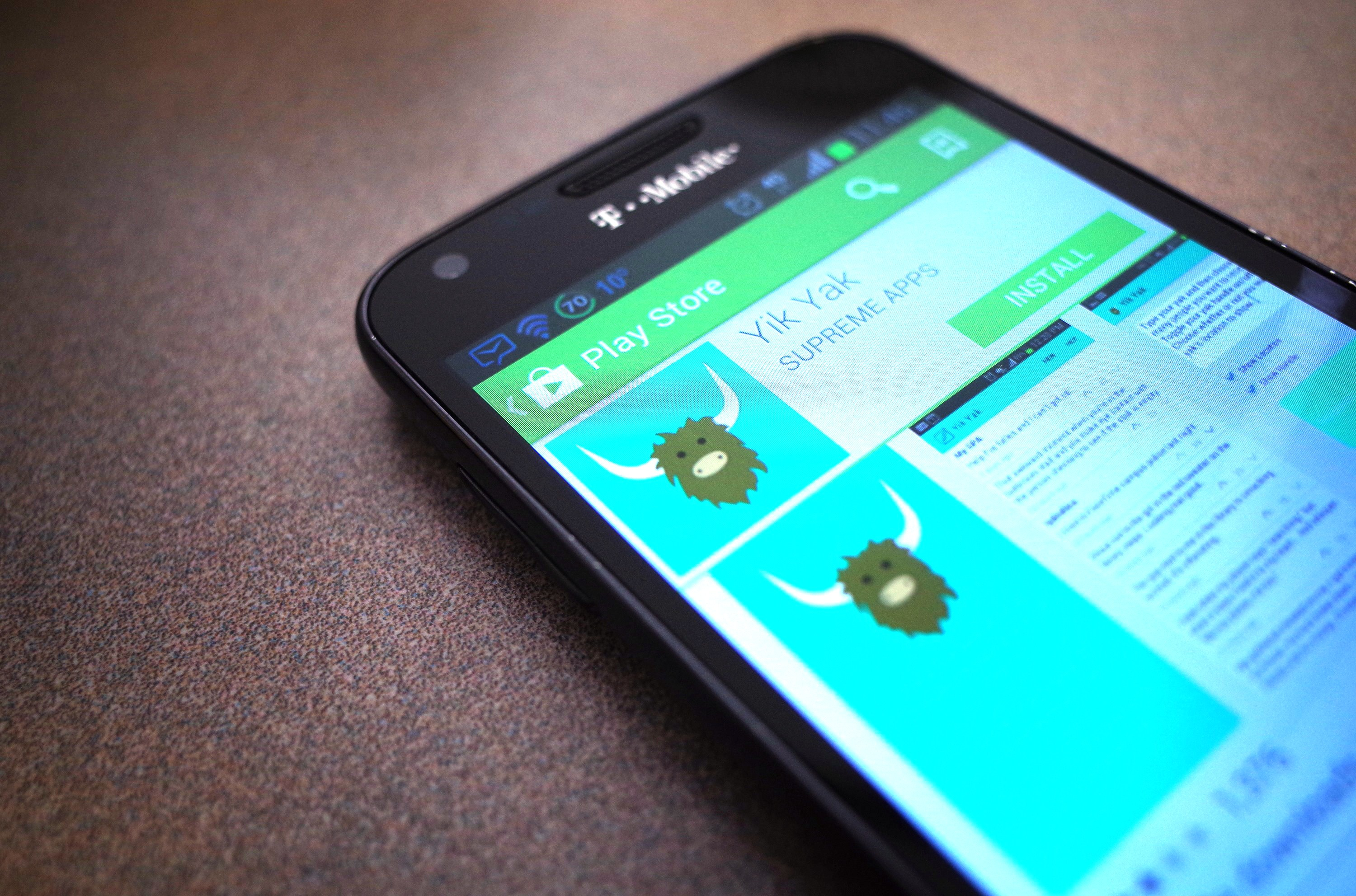 Yik yak tests photo-discussing feature on college campuses or all